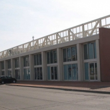 vista esterna edificio commerciale